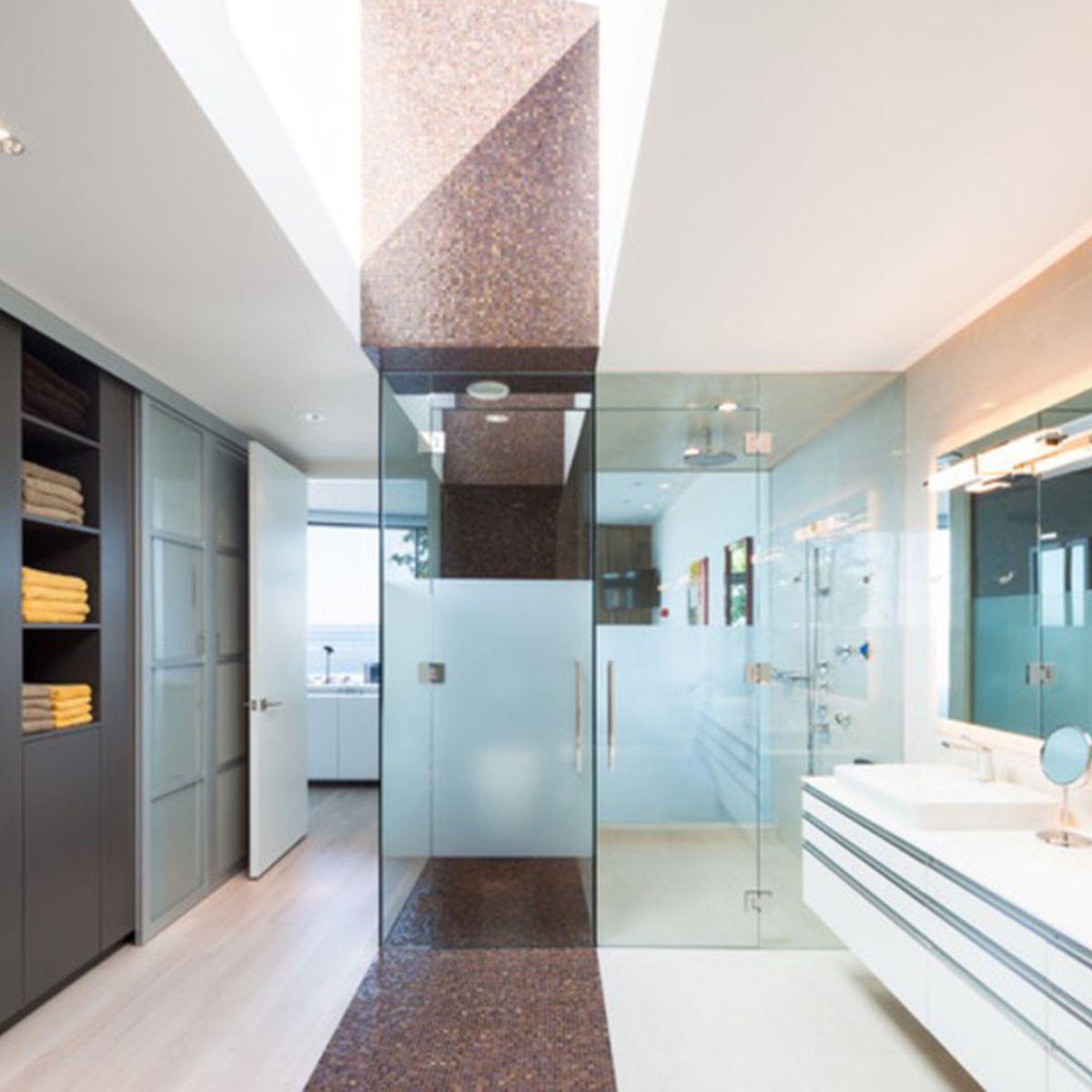 10 Idées Pour Créer Une Lumière Naturelle Dans Sa Salle De concernant Créer Sa Salle De Bain