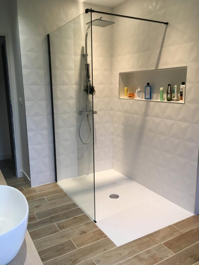15 Salles De Bains Design Pour Vous Inspirer ! - Kozikaza pour Modele De Salle De Bain À L Italienne