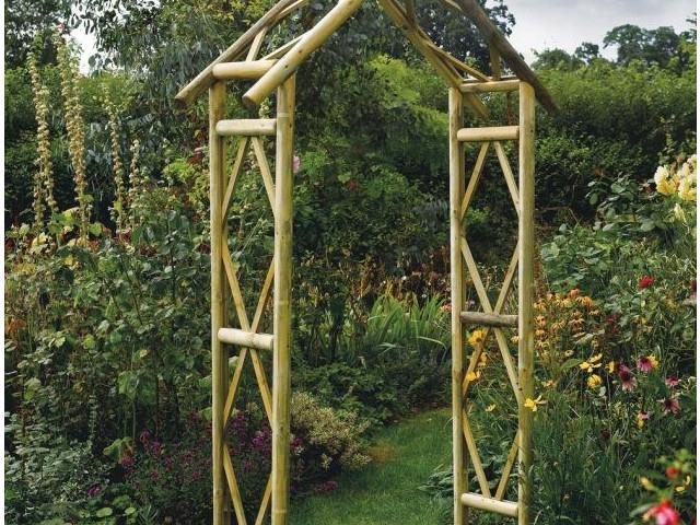 23 Idées Sublimes D'Arches Pour Décorer Son Jardin tout Arche De Jardin En Bois