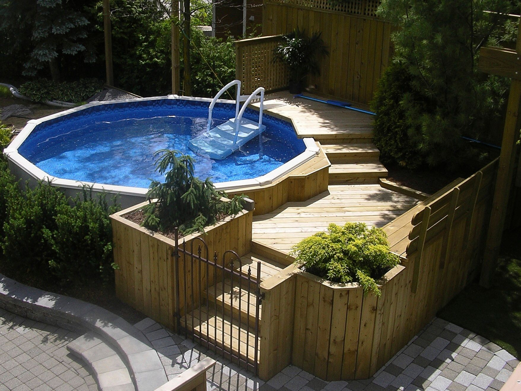 Above Ground Pool, In Harmony With The Backyard! By Les intérieur Roche Autour Piscine Hors-Terre