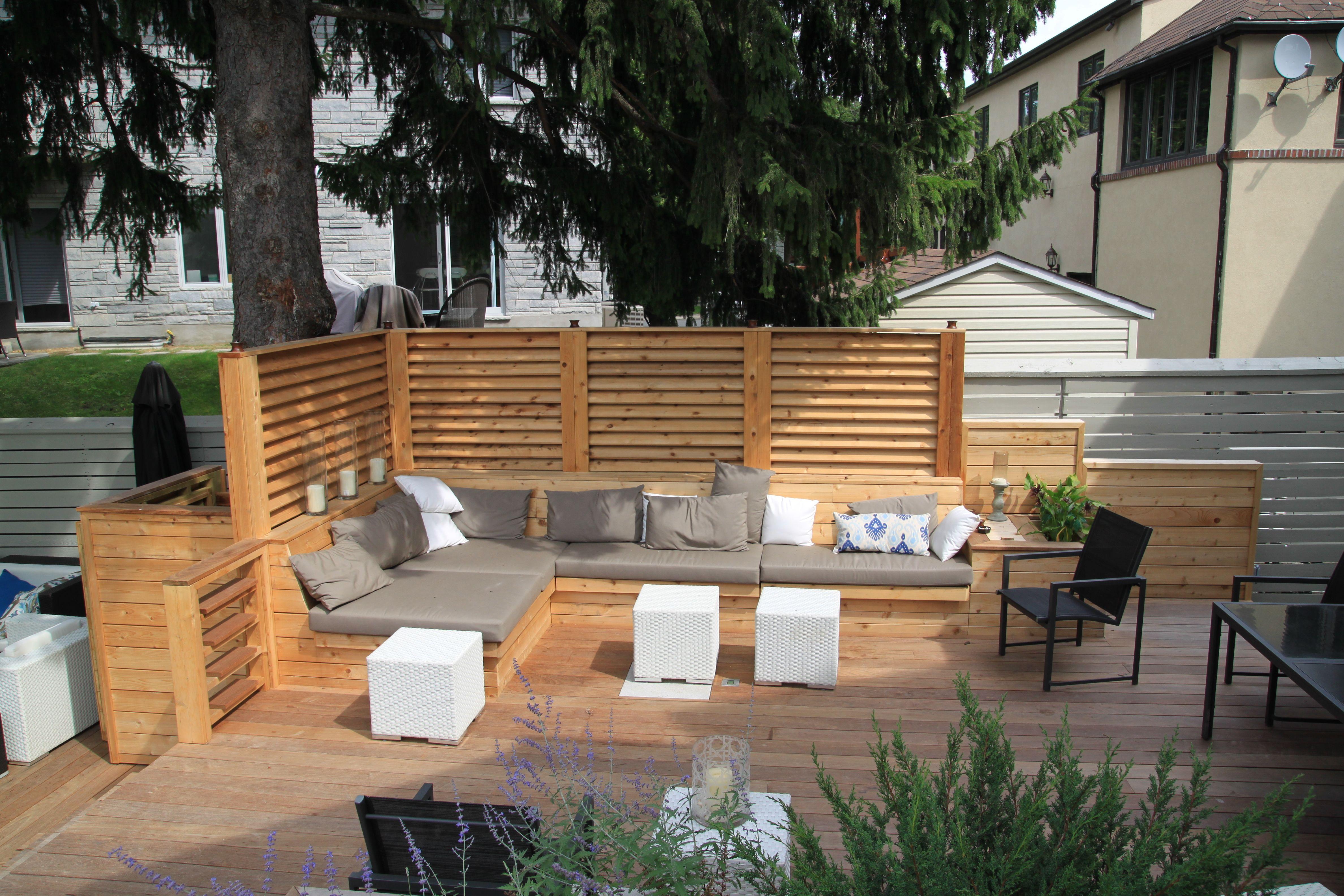 Aménagement D'Une Terrasse De Bois Avec Écrans En Bois De encequiconcerne Idées Terrasses Extérieures