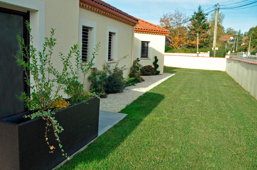 Extremement Amenagement Jardin Devant Maison dedans Exemple D Aménagement De UL-75