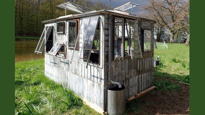 Arzinc : Du Toit Au Mobilier De Jardin intérieur Sechoir De Jardin