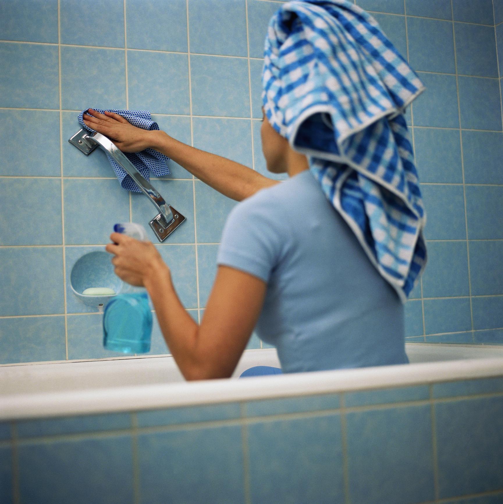Astuces De Nettoyage Des Joints De Carrelage concernant Comment Nettoyer Des Joints De Salle De Bain