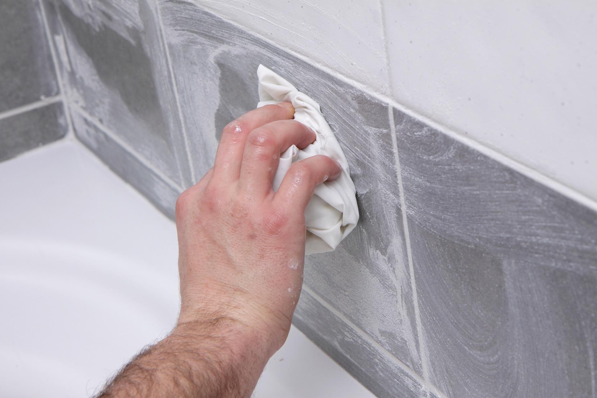 Astuces Pour Nettoyer Les Joints De Carrelage - Grands encequiconcerne Comment Nettoyer Des Joints De Salle De Bain