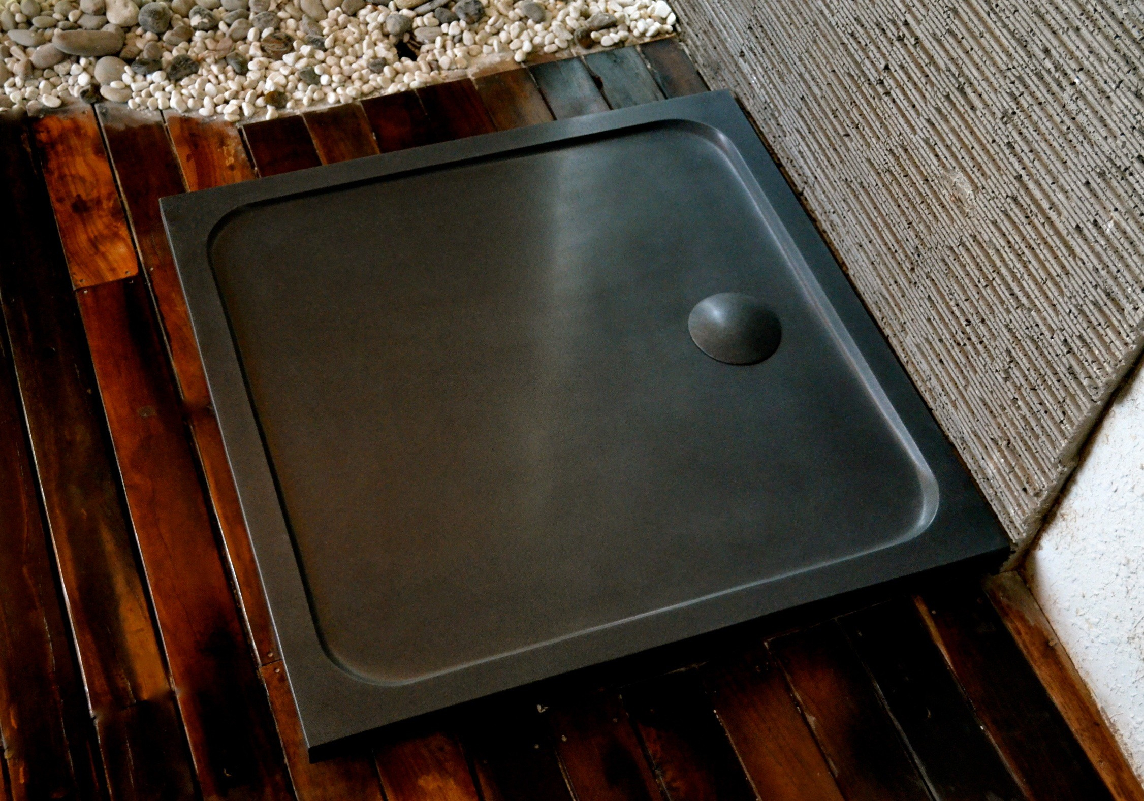 Bac De Douche En Pierre 100X100 Granit Noir Squarium Shadow serapportantà Receveur Douche 100X100