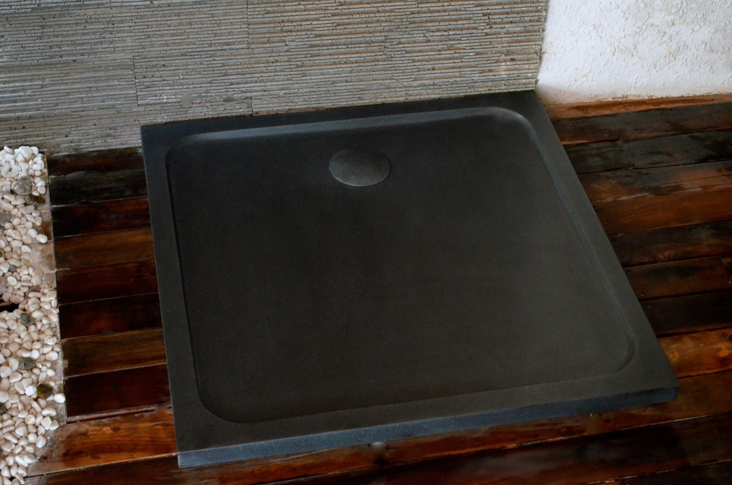 Bac De Douche En Pierre 100X100 Granit Noir Squarium Shadow tout Receveur Douche 100X100