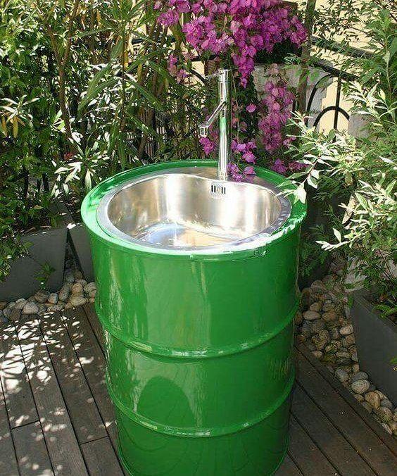 Baril Recyclé En Lavabo | Évier De Jardin, Amenagement à Evier De Jardin