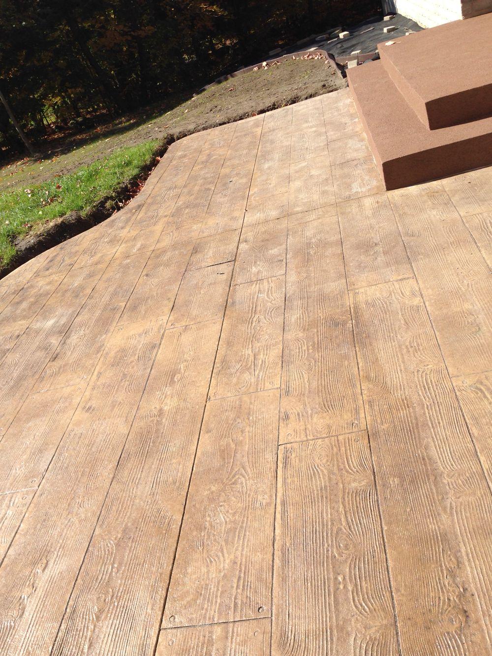Beton Estampé Fini Bois Franc Et Balcon Enduit Acrylique avec Beton Imprimé Au Jardin