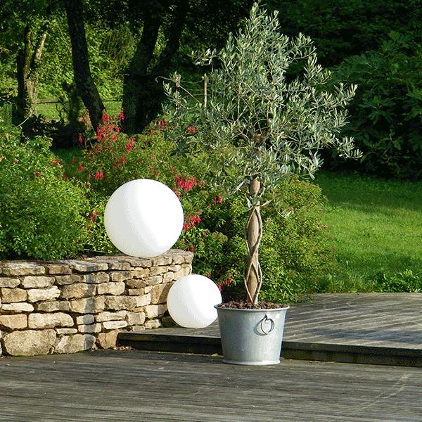 Boule Lumineuse Mono Couleur Avec Fil - Jardinchic destiné Boule De Jardin Lumineuse