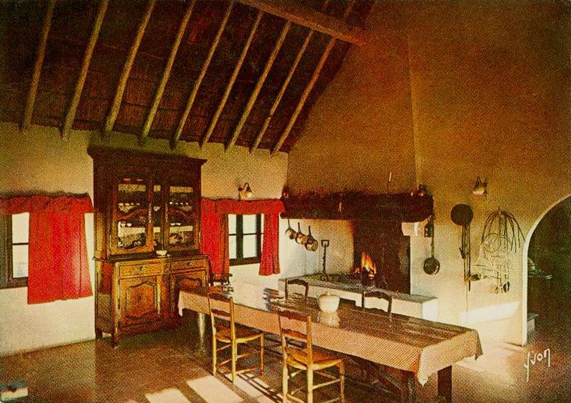 Cabanes Hôtelières Et Maisons À La Gardiane - Christian intérieur Interieur Delamaison