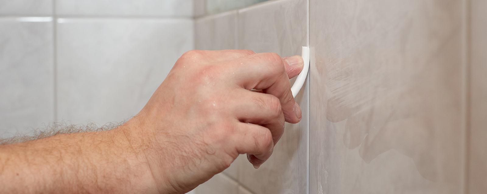 Carrelage : Comment L'entretenir Avec Quelques Astuces concernant Comment Nettoyer Des Joints De Salle De Bain