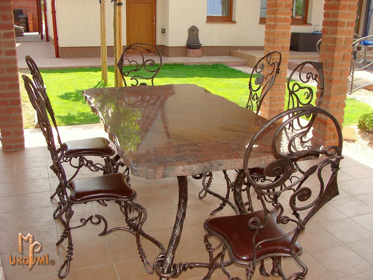 Chaises Et Tables | Ferronnerie D'art Ukovmi encequiconcerne Table Salle A Manger En Fer Forgé