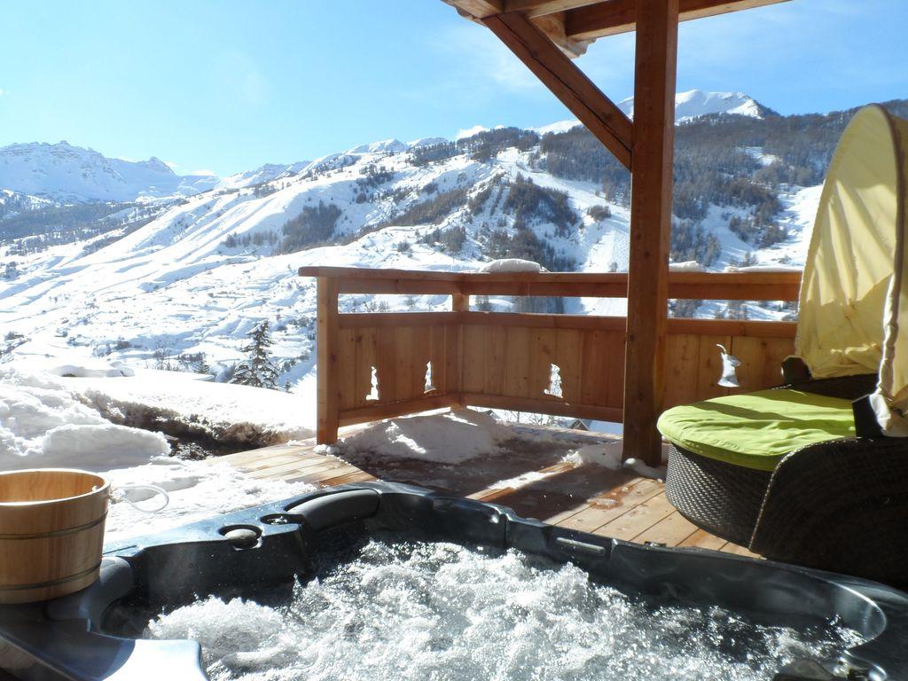 Chalet Vue Montagne Et Pistes De Ski Piscine Int Jacuzzi encequiconcerne Chambre Avec Jacuzzi Privatif Rhone Alpes