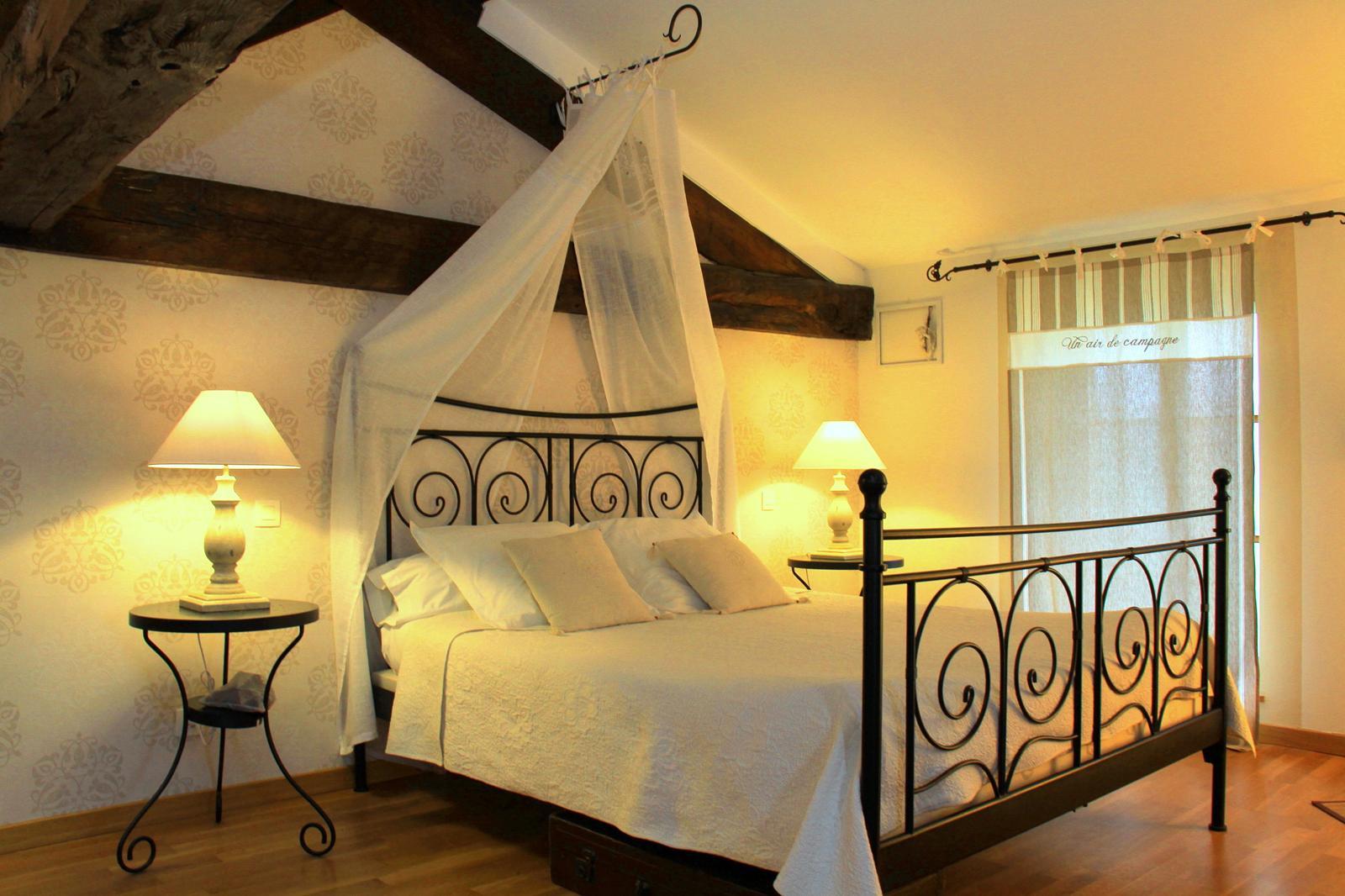 """Chambre 1 : """"Mistral"""" - - Somarel - Chambres Et Table D destiné Chambre D Hote Cahors"""