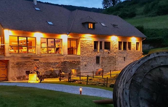 Chambre D'Hôtes 15 Personnes À Salins Les Bains - Location tout Chambre D Hotes Saint Claude Jura