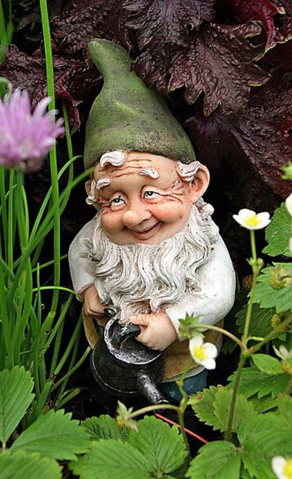 Choisir Un Nain De Jardin Pour La Déco Magique - Archzine.fr dedans Nain De Jardin Géant