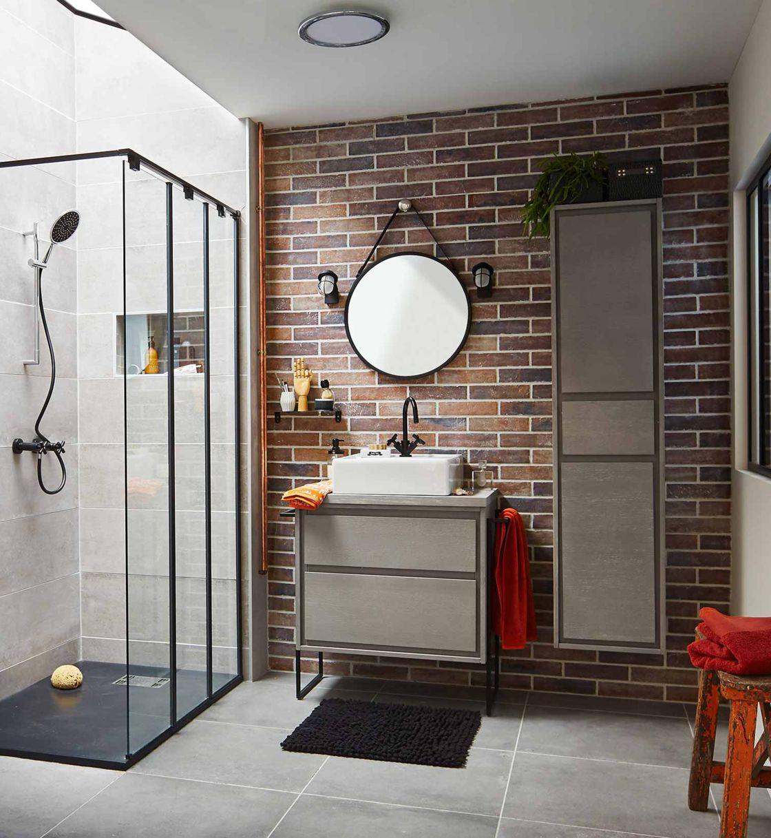 Comment Aménager Une Douche Dans Une Petite Salle De Bains intérieur Modèle De Salle De Bain Avec Douche