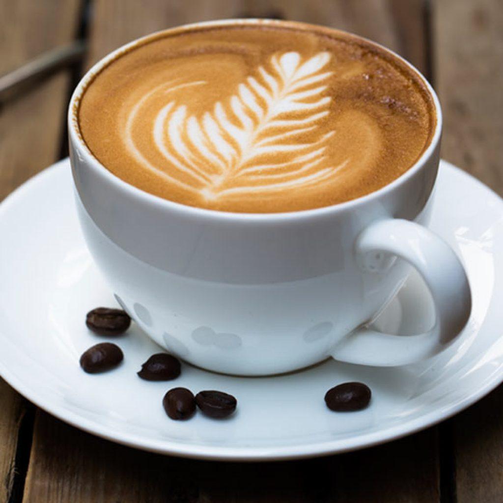 """Comment Préparer Un Cappuccino Avec Une Machine À Café concernant Cappuccino"""""""