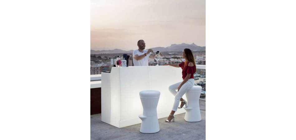 Comptoir Lumineux Multicolore Pour Terrasse Ou Jardin. pour Salon De Jardin Lumineux