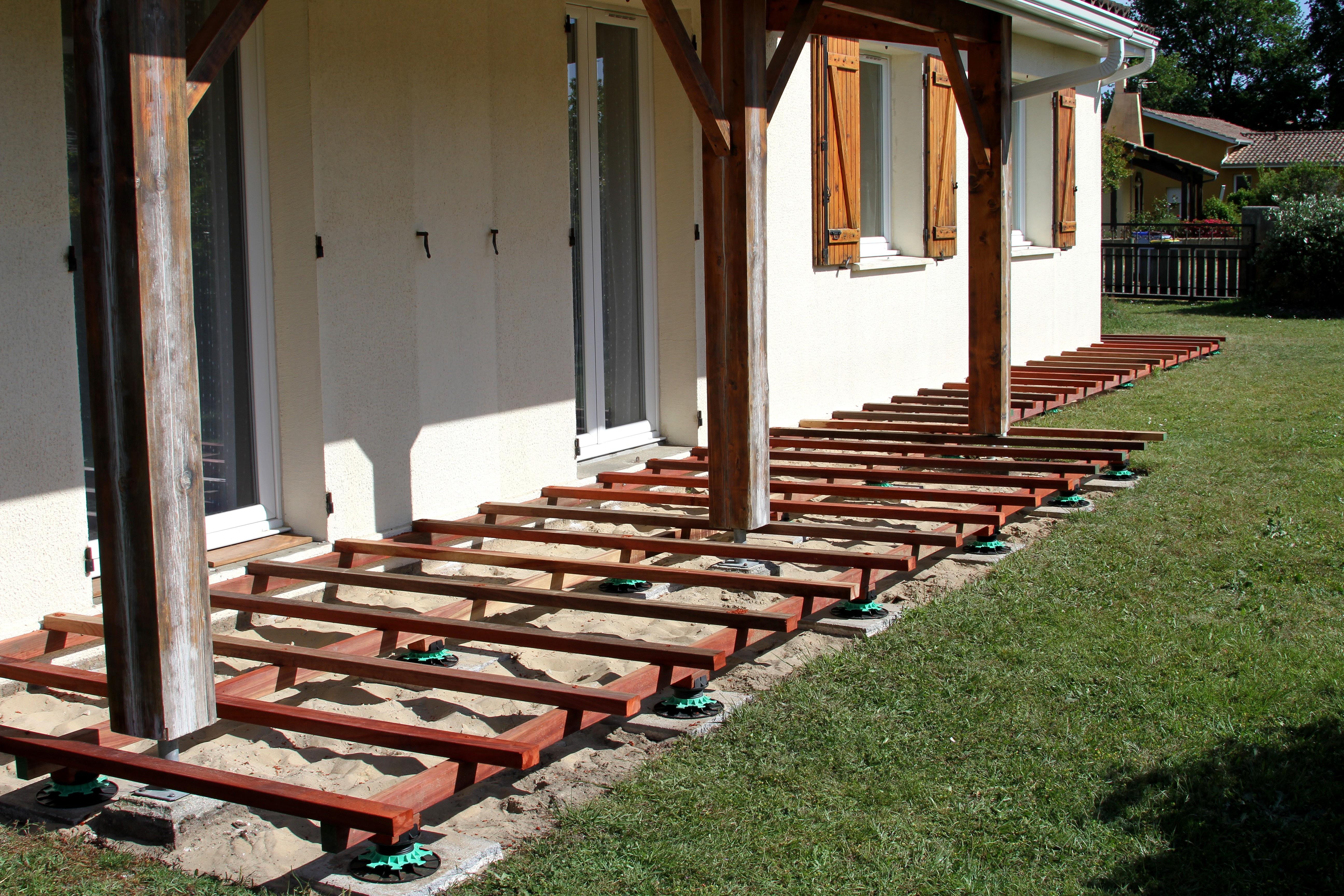 Construction Et Prix D'une Terrasse Sur Plot destiné Faire Une Terrasse A Moindre Cout