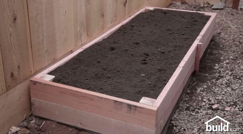 Créer Un Potager En Carré Soi-Même : 11 Modèles À Recopier intérieur Carré De Jardin En Bois