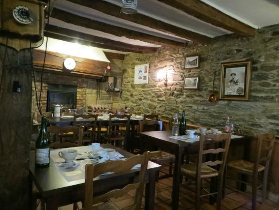 Creperie Ty Gwechall, Carhaix-Plouguer - 25 Place Des pour Location Vacances Carhaix Plouguer