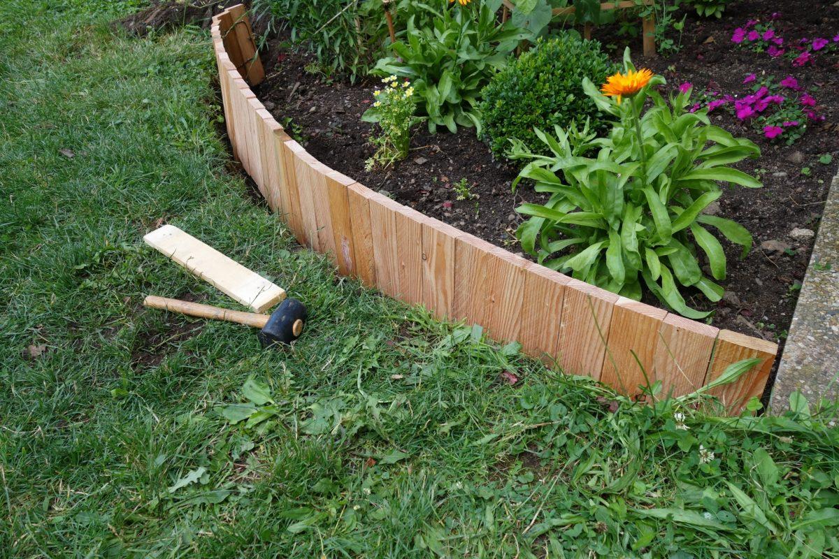 Diy Une Bordure Souple - Le Blog De Béa À Bordure Jardin pour Bordure Jardin Pas Cher