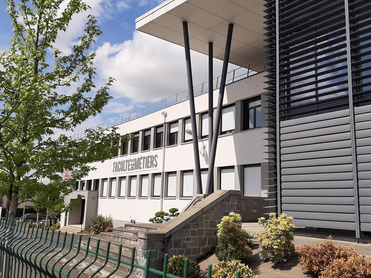 Faculté Des Métiers. En Ille-Et-Vilaine, Les Formations Se avec