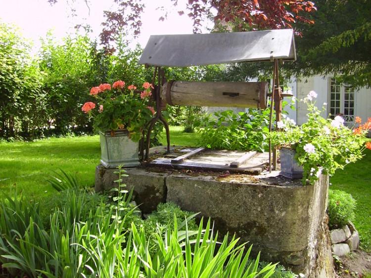 Fonds D'Écran Nature > Fonds D'Écran Parcs - Jardins avec Puit Decoratif Jardin