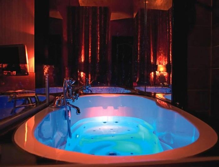 Hotel Avec Jacuzzi Dans La Chambre Bretagne Beau Hotel encequiconcerne Chambre Avec Jacuzzi Privatif Paris