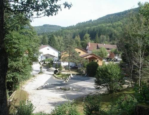 Hotel Notre Dame Des Monts, Ban-Sur-Meurthe-Clefcy tout Chambre D Hote Notre Dame De Monts