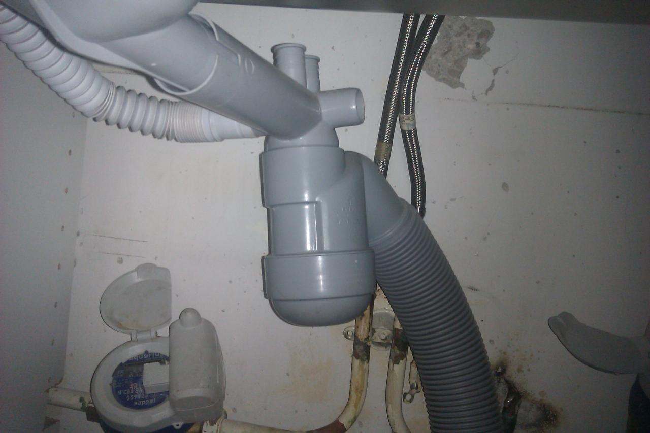 Installer Un Mini Lave Vaisselle concernant Installer Lave Vaisselle Sous Un Evier Branchement