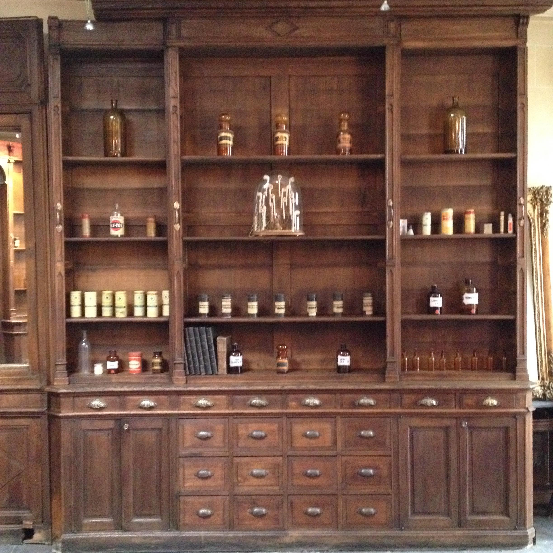 Intérieur De Pharmacie Ancienne dedans Meuble A Pharmacie
