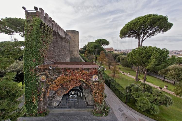 - Italie - Rome - Vatican - Jardins Du Vatican : Réplique destiné Les Jardins De Lourdes