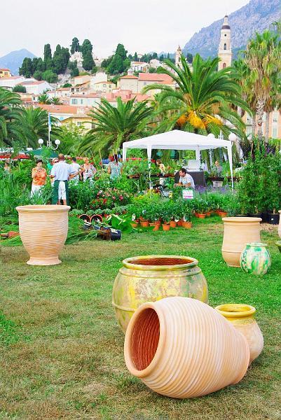 Jarre Et Pots De Fleur En Terre Cuite pour Jarre De Jardin