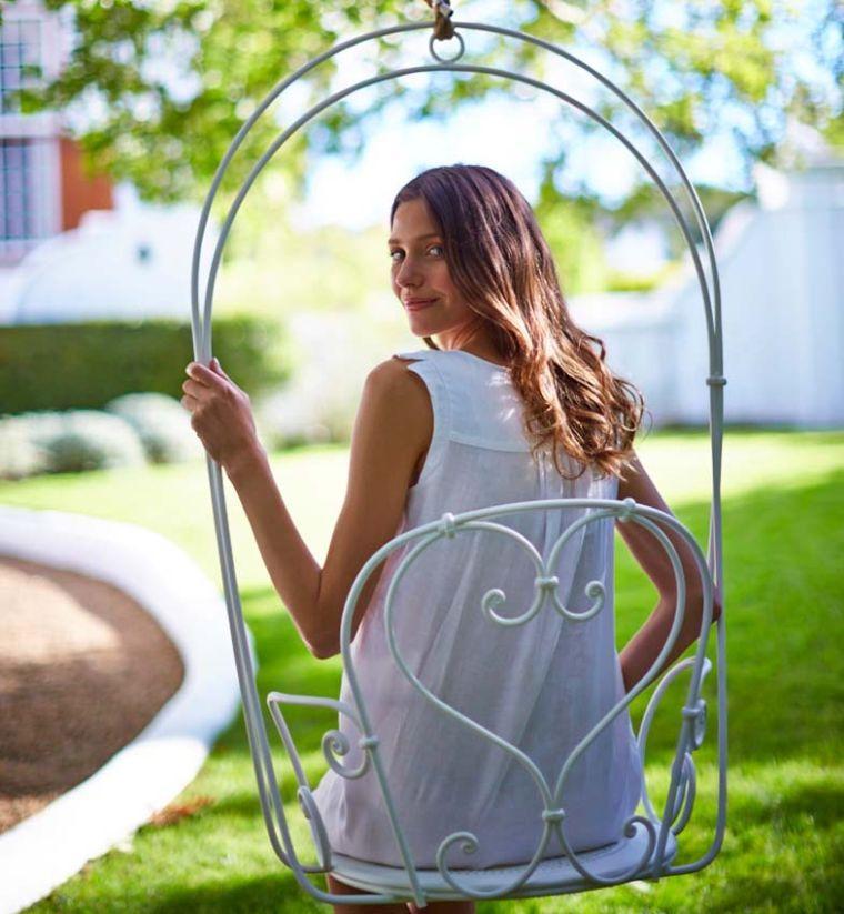 La Chaise Suspendue - Indispensable Pour La Déco De Jardin pour Chaise Suspendue Jardin