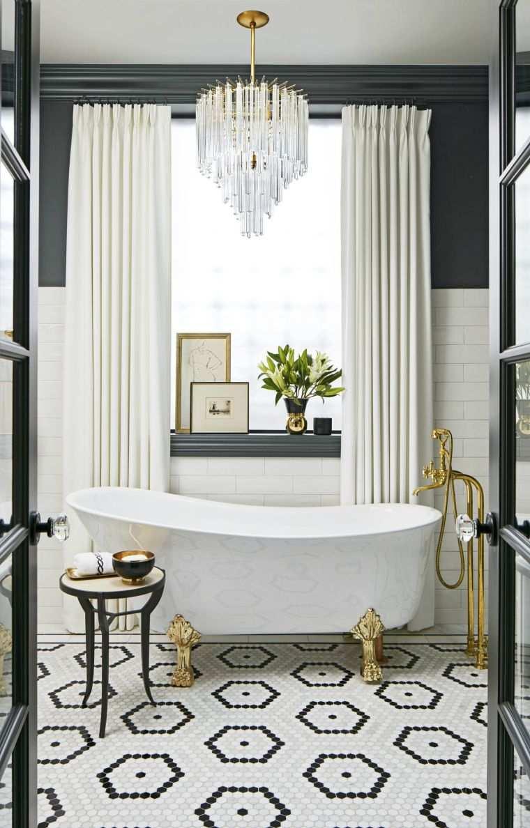 La Déco Salle De Bain De Luxe Se Décline En Style Glamour intérieur Accessoire Decoration Salle De Bain