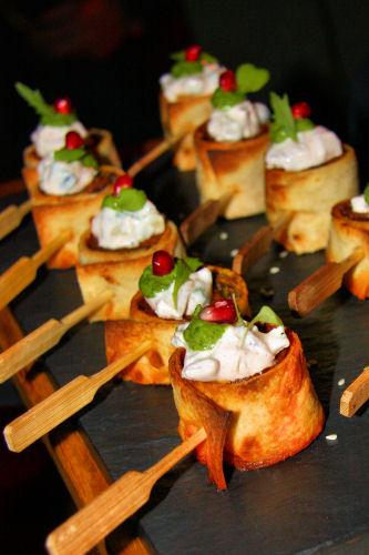 Lamb Mince Kebab Wrapped In Roomali Bread, Corander Chutne dedans Canape Divalit