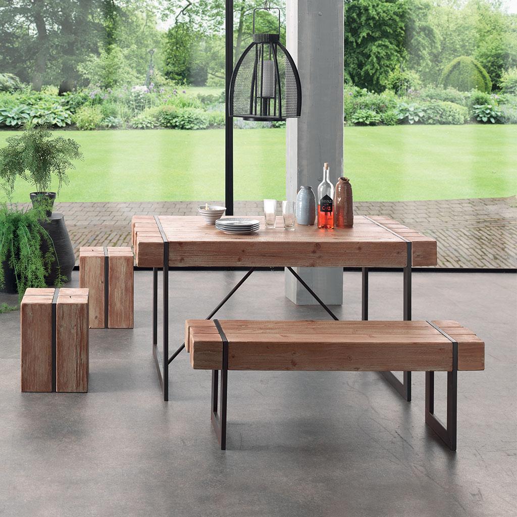 Le Style Industriel De La Table Fabrik En Sapin Massif dedans Magasin & Dépôt Cocktail Scandinave Montpellier