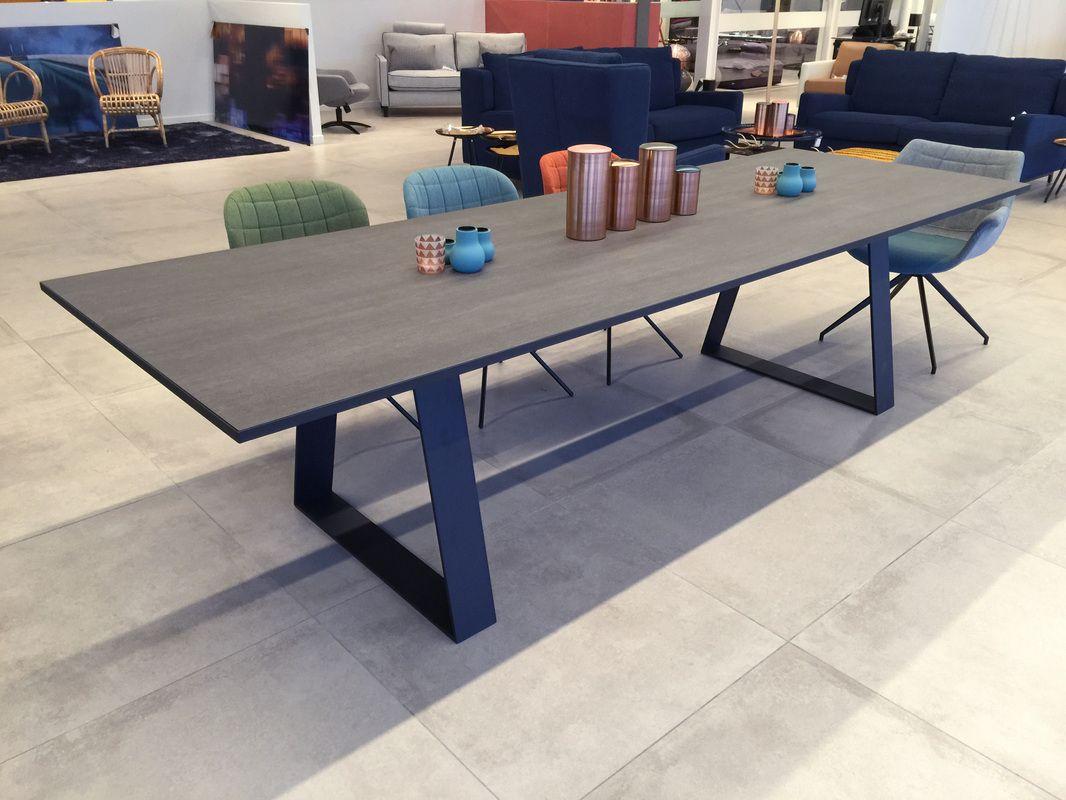 Les Tables En Dessus Céramique Sont Fabriquées Dans Nos encequiconcerne Table Salle A Manger Plateau Ceramique