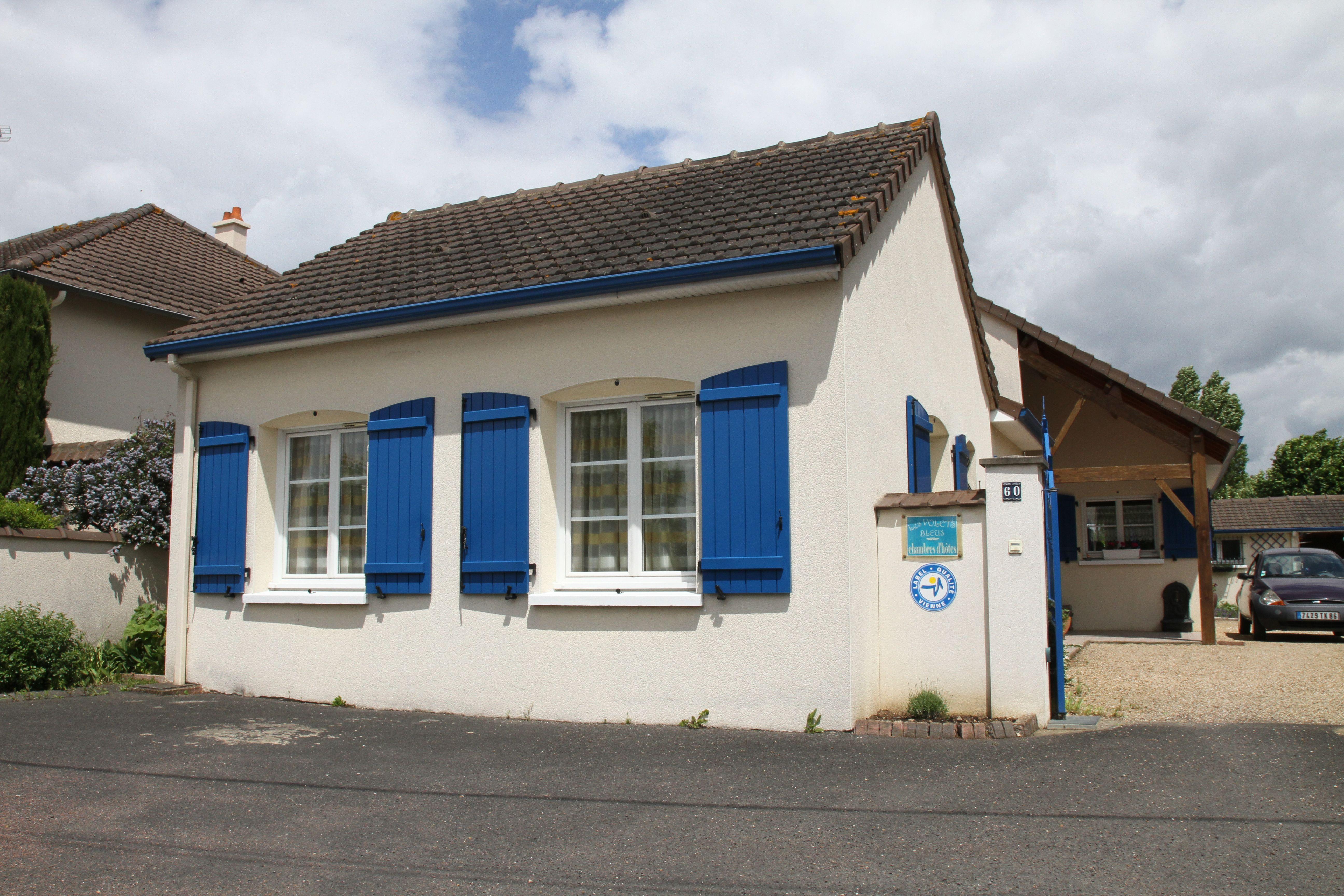 Les Volets Bleus Profitez De Chambres D'Hôtes Agréables encequiconcerne Chambre D Hotes Les Vans
