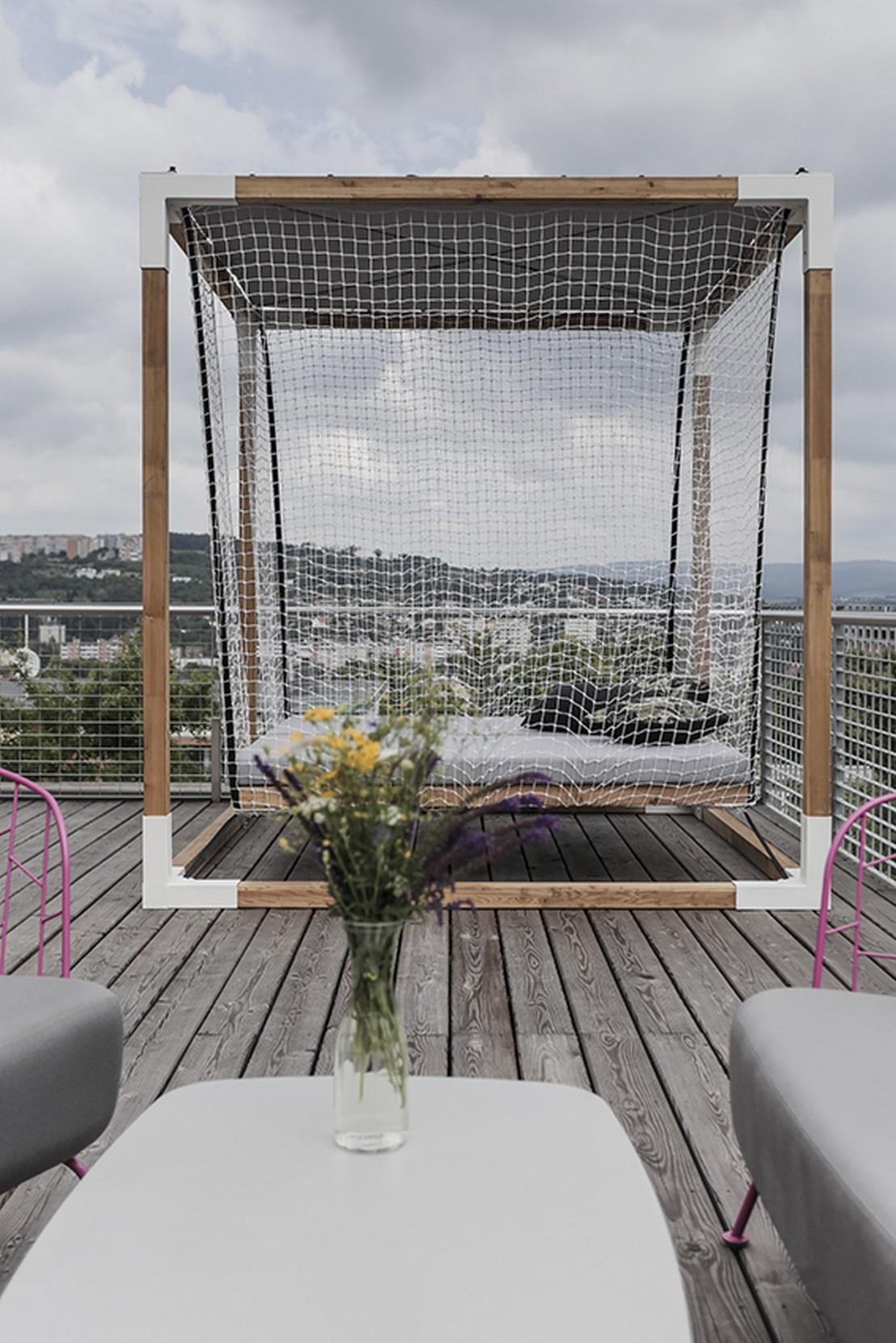 Lit De Jardin Hamac Suspendu En Cage Leva : Mobilier De à Lit Suspendu Jardin