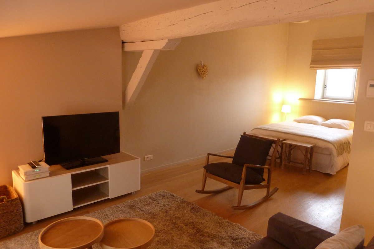 Location Appartement Bordeaux ➫ Louer Appartement (33000) intérieur Studio Meublé Bordeaux