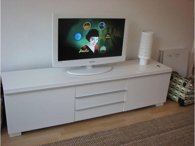 Meuble Tv Bas Blanc Laque Ikea destiné Meuble Tv Blanc Laqué But