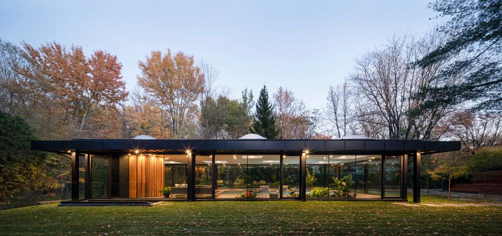Pavillon A, Un Oasis Au Coeur D'Un Jardin   Idées Déco concernant Pavillon De Jardin 4 Saisons
