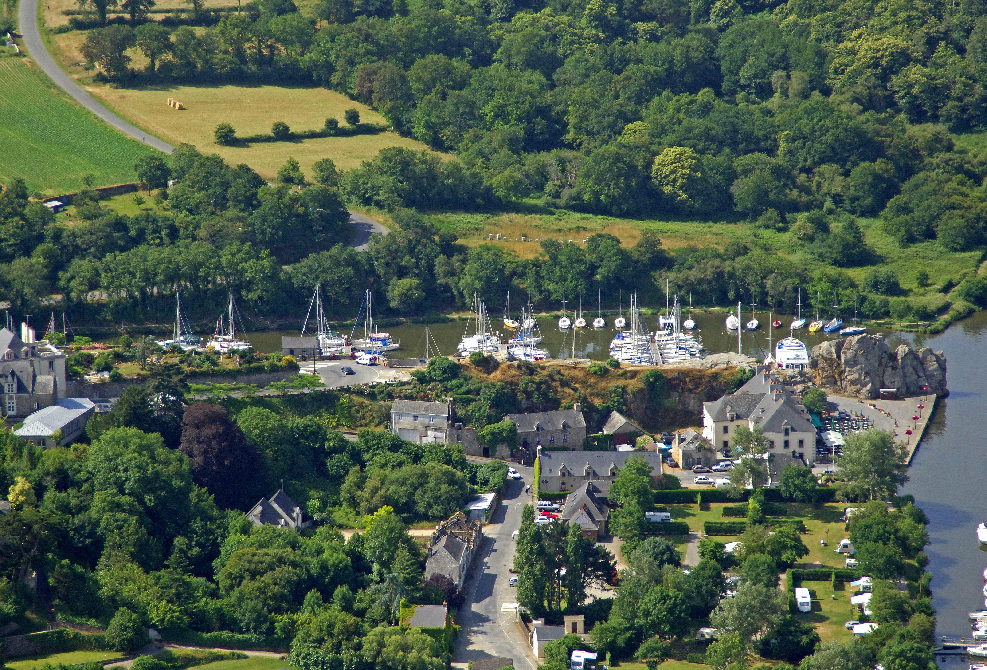 Port De Plaisance La Roche-Bernard In La Roche-Bernard serapportantà Chambre D Hote La Roche Bernard