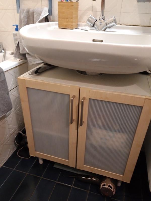 Recyclage Objet, Récupe Objet : Donne Meuble Lavabo Salle à Don De Meuble