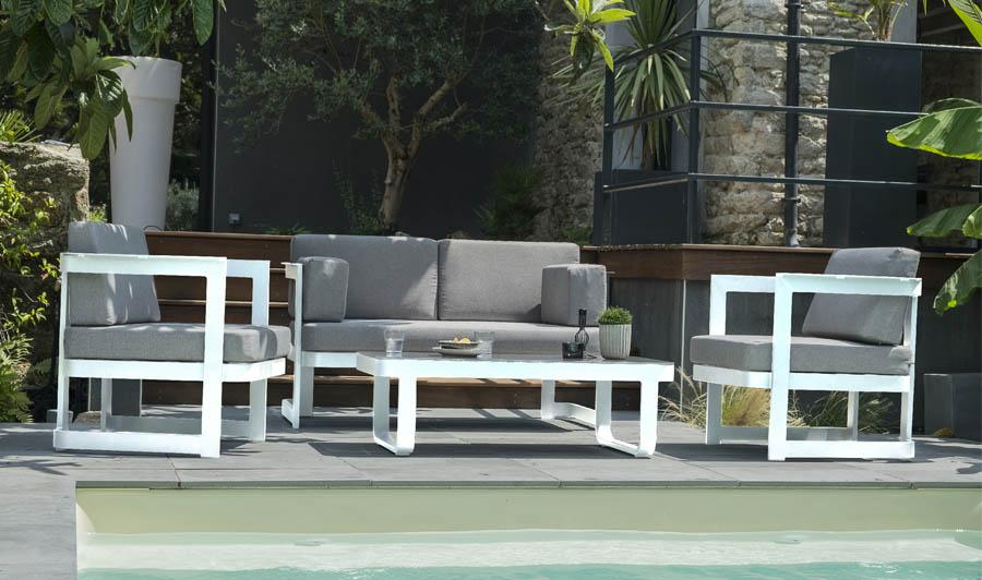 Salon De Jardin Moderne En Alu Blanc 4 Places - Barcelona serapportantà Salon De Jardin Lumineux