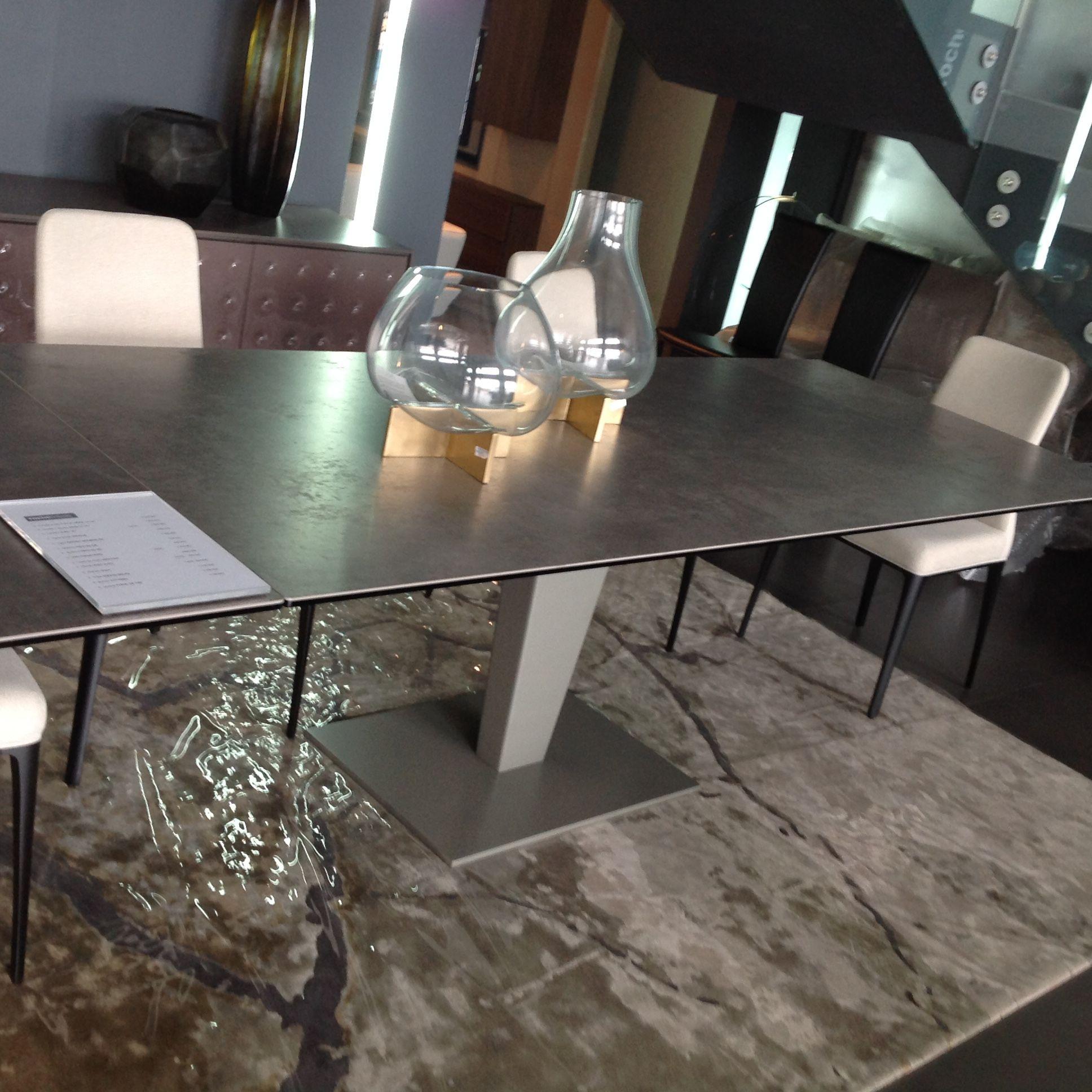 Table De Repas Nephtis, Design Studio Roche Bobois - Chaises tout Table Salle A Manger Plateau Ceramique